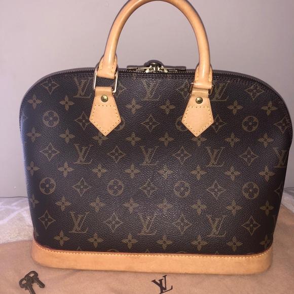 8cfdade870a Louis Vuitton Bags   Sold Alma Monogram   Poshmark